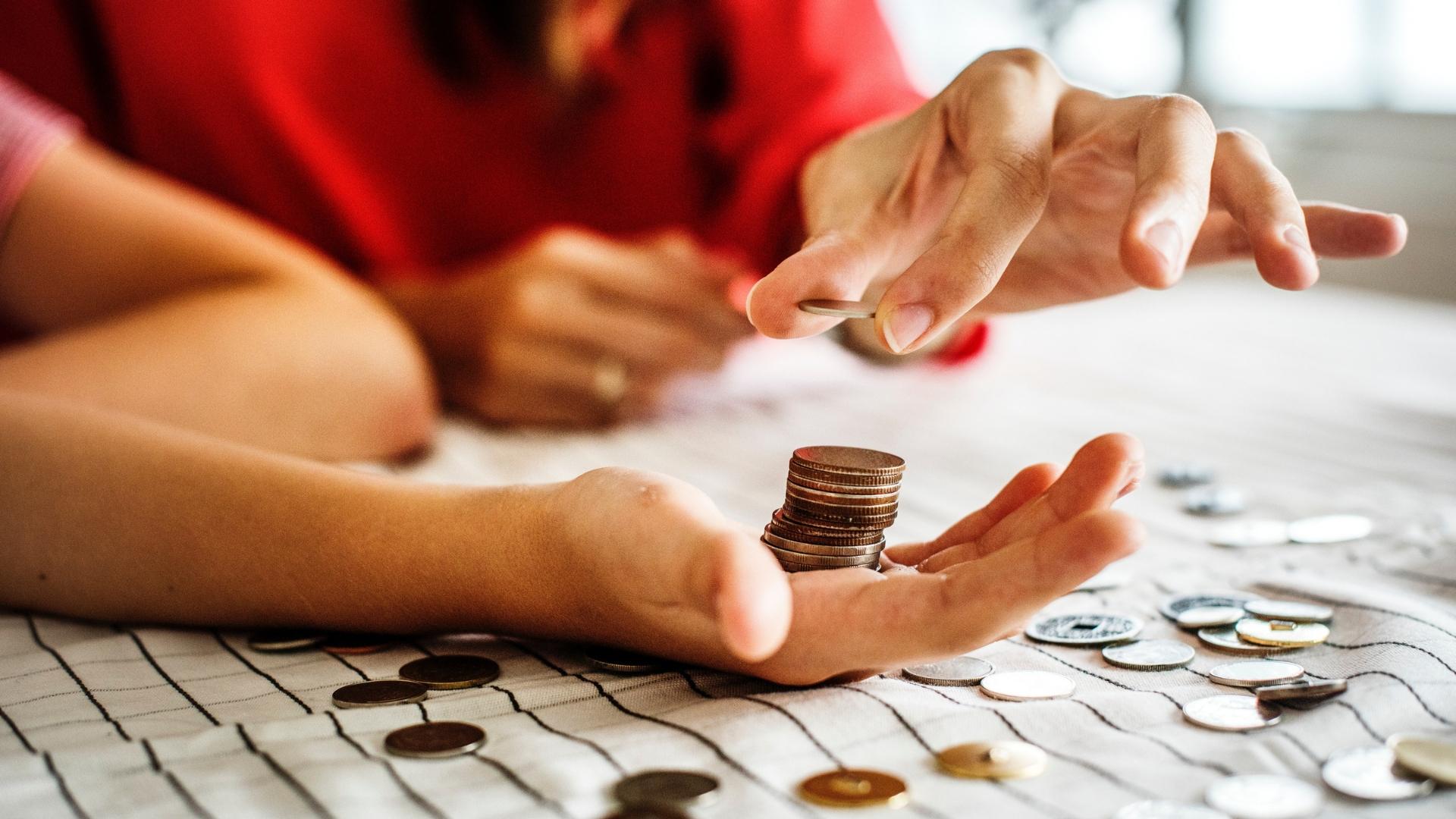 Financial Overview budjetointi ja raportointi työkalu
