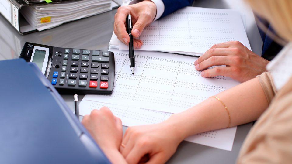 Miksi pienenkin yrityksen kannattaa tehdä kahdenkertainen kirjanpito?