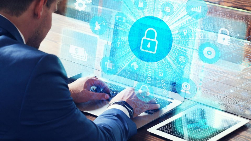 Yrityksen tietoturva on kaikkien työntekijöiden vastuulla